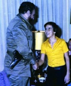 07 - Com Fidel Castro, em Havana (1975)