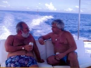 37 - Com Joaquim Letria, ao largo de Salvador (2002)