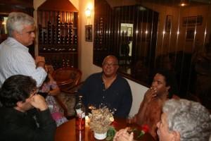 38 - Em Havana, com Pablo Milanés e Raul Torres (2009)